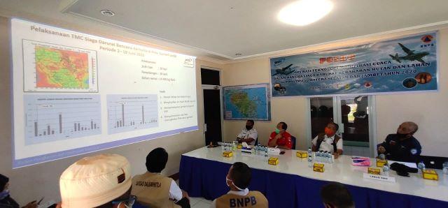 Tim TMC Turunkan Hujan ke Wilayah Sumsel dan Kalbar
