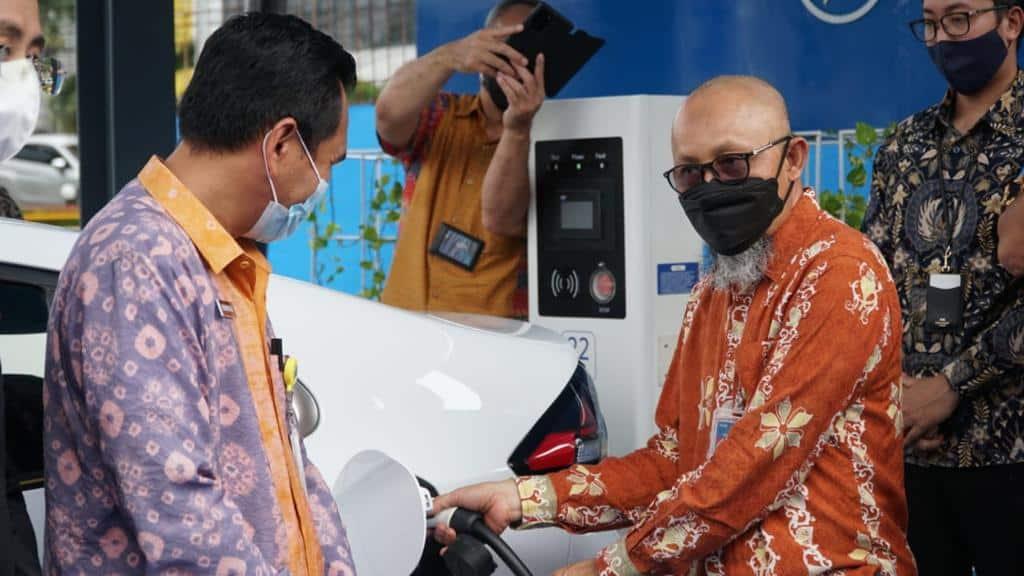 SPKLU PLN Siap Layani Charging Mobil Listrik Di Palembang